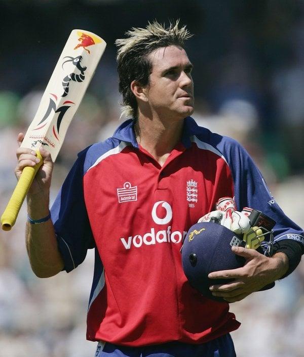 Kevin Pietersen bat.jpg