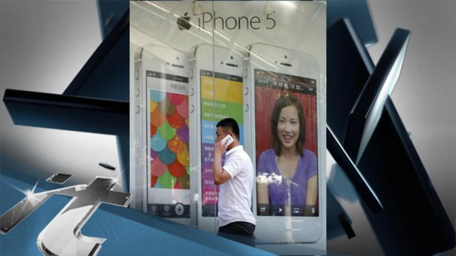Apple_sued_by_former_retail_workers_for_unpaid_wages.jpg