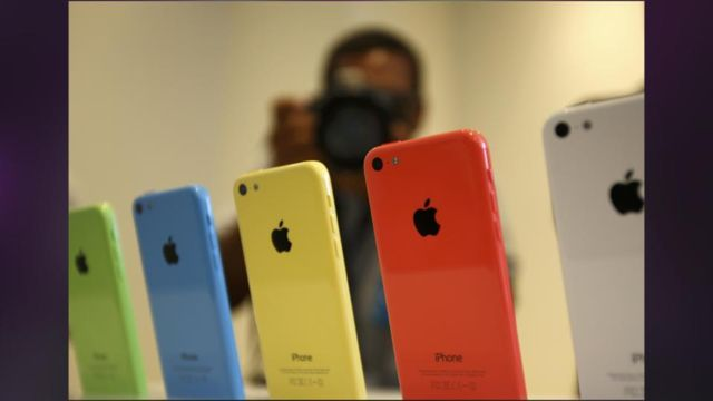 Apple_Could_Sell_As_Many_As_1_Million_IPhone_5c_In_First-Day_Preorders.jpg