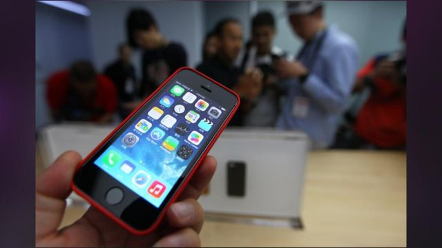 Apple_s_IPhone_5S_Top_Buy_At_All_Major_US_Carriers_In_September.jpg